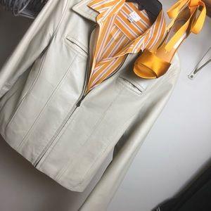 100% leather zip front jacket, cream sz Lg
